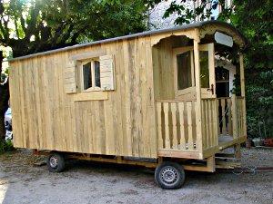 comment construire roulotte. Black Bedroom Furniture Sets. Home Design Ideas