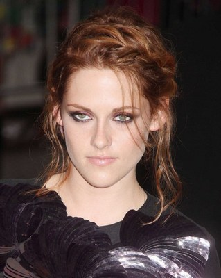 comment faire coiffure kristen stewart. Black Bedroom Furniture Sets. Home Design Ideas
