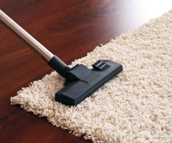 Comment nettoyer 1 tapis en laine - Nettoyer un tapis en soie ...