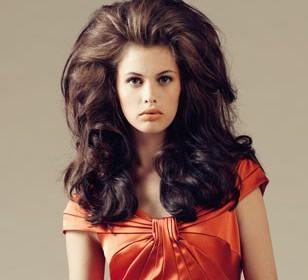 comment coiffer des cheveux épais femme