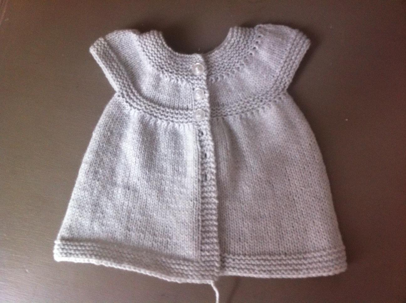 comment tricoter une robe en laine pour petite fille