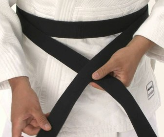comment mettre kimono judo