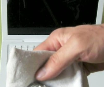 comment laver écran mac