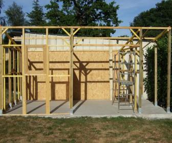 Comment construire abris de jardin en bois for Comment construire en bois
