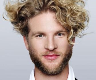 comment coiffer cheveux ondulés homme