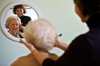 comment etre coiffeuse en maison de retraite